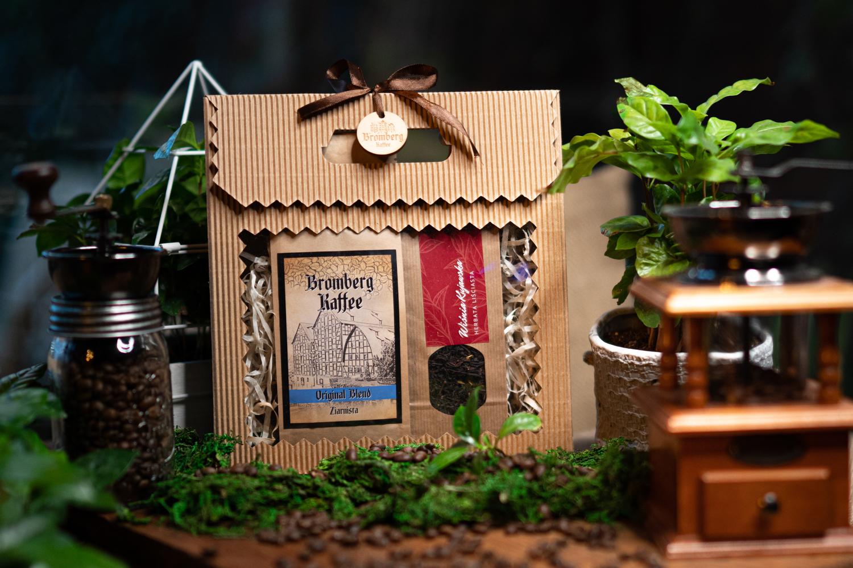Zestaw prezentowy z kawą Original Blend i herbatą Wiśnia Kujawska
